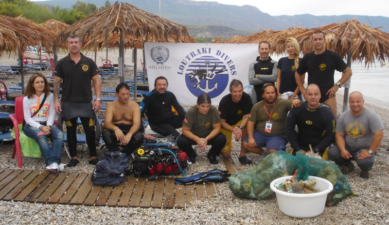 Loutr-Divers-underwater-cleanup